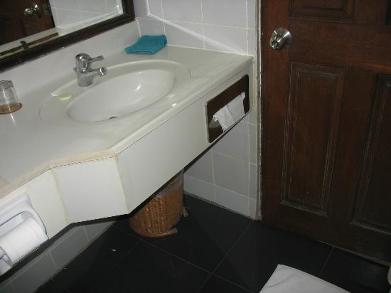 Sanur Paradise Plaza Suites: good quality and spanky clean toilets