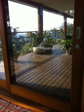 Koonyum Range Retreat Byron Bay: View from bedroom onto deck