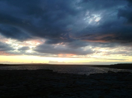 Fisherman's Rest: sunset at the ferry landing in Doolin