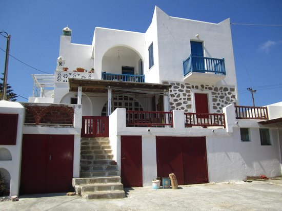 Vouniotis Pension: from outside