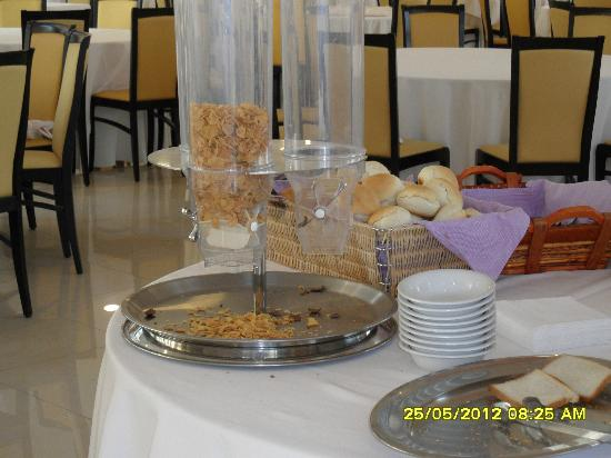 Grand Hotel Sofia: the breakfast buffet...after the young people  did have their meal
