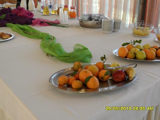 Grand Hotel Sofia: breakfast buffet...after the young people  did have their meal