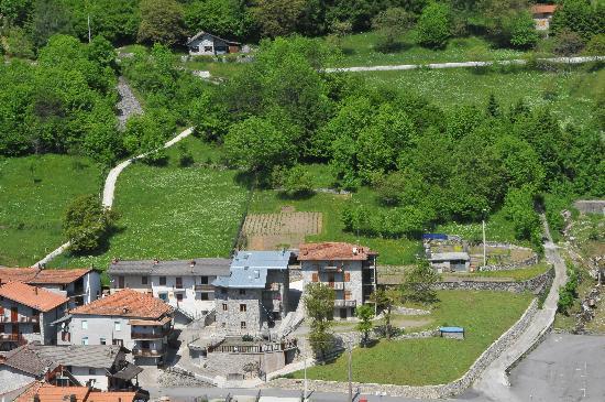 "B&B Orsolina: Vista aerea del borgo ""Sommico"""
