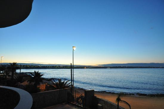 Hotel Alba: vista camera serale