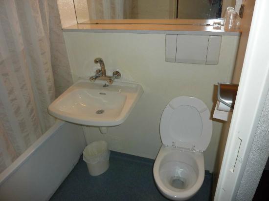 P'tit Dej-Hotel Amys - Voreppe : Cuarto de baño