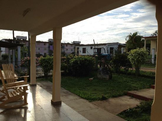 Villa Jorge y Ana Luisa: Front patio