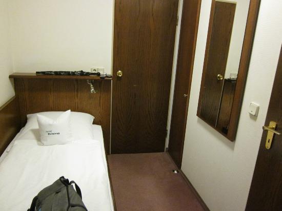 Brintrup Hotel-Restaurant: Size of room total