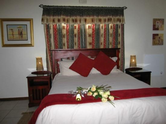 Dalberry Guest House: Inyathi Room