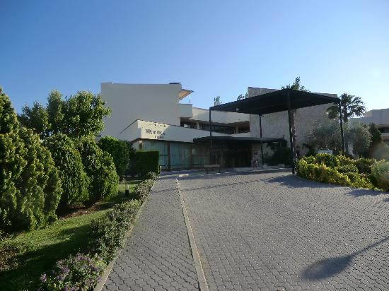 Aparthotel Duva & Spa: Front Entrance