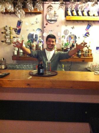 Oasis Restaurant & Bar: Tom serving his first drinks!