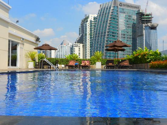 Roof Top Pool Picture Of Park Plaza Sukhumvit Bangkok
