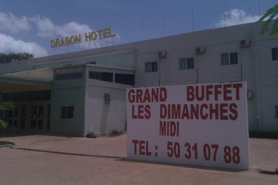Dragon Hotel : Front view