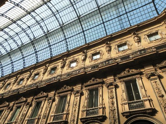 Milán, Italia: Galleria Vittorio Emmanuel III : magnifique.