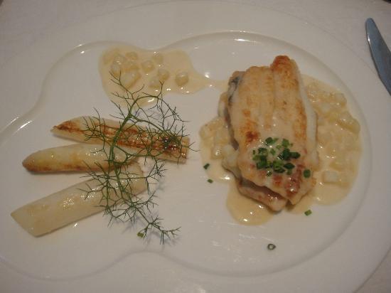 O de Mer : Sole au risotto de pommes de terre et asperges blanches de saison