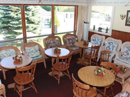 Claddagh Motel & Suites: Failte Room