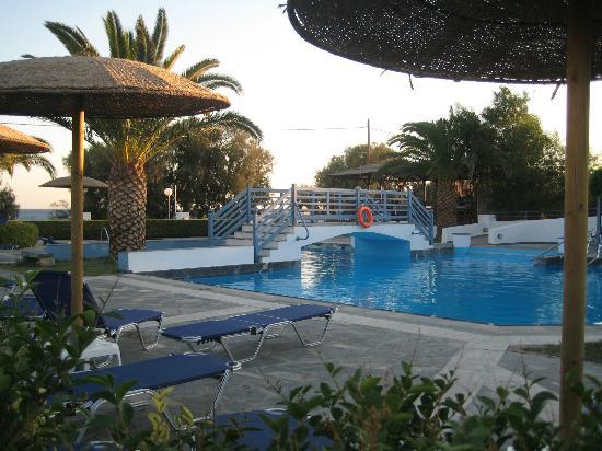 Zefiros Beach Hotel: Piscina per adulti