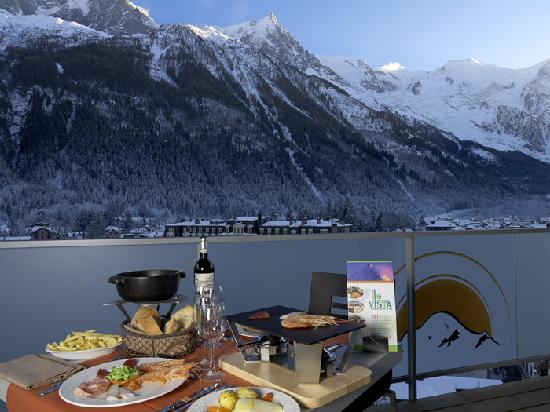Le vista chamonix restaurant reviews phone number for Hotels chamonix