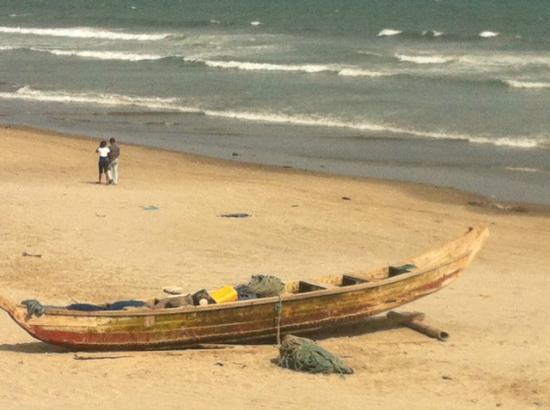 Labadi Pleasure Beach: La Badi Beach
