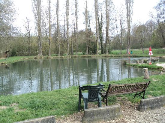 Verneuil, Prancis: L'étang du vieux moulin