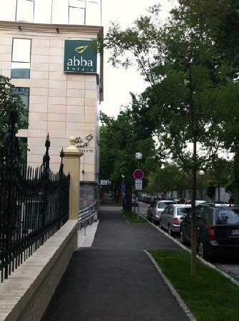 LOFT Hotel Bratislava: Street view