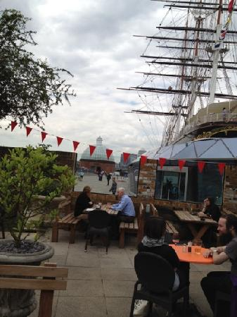The Gipsy Moth: Great new beer garden