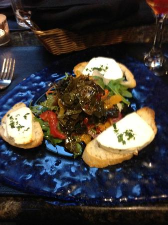 Cafe Normandie: Fantastic Goat Cheese Salad