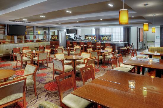 Spynn Restaurant: Tattinger's Lounge