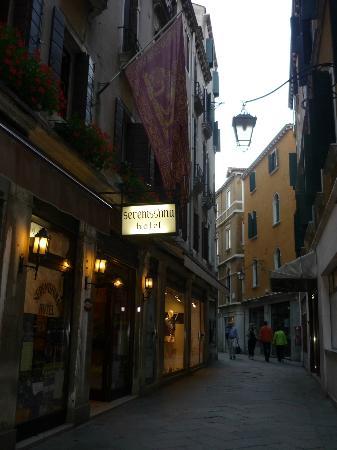 Hotel Serenissima: ruelle