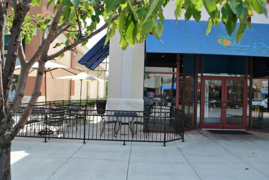 Blue Pacific Grill: Our outdoor patio