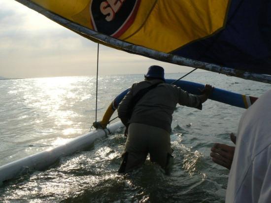 Pasir Putih Beach: going sailing