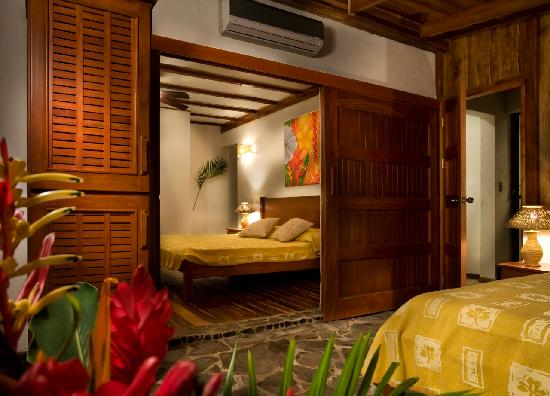 Hotel Tropico Latino: Beachfront room