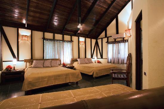 Hotel Tropico Latino: Garden View Bungalow