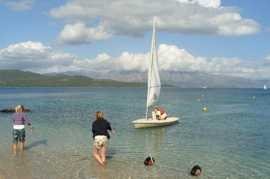 Nikiana Beach: sailing in