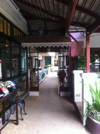 Tri Gong Residence: the walkway to the rooms