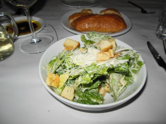 Macaroni Grill: Cesar salad