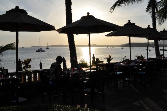 Bo Phut Resort & Spa: Restaurante del desayuna al lado de la piscina