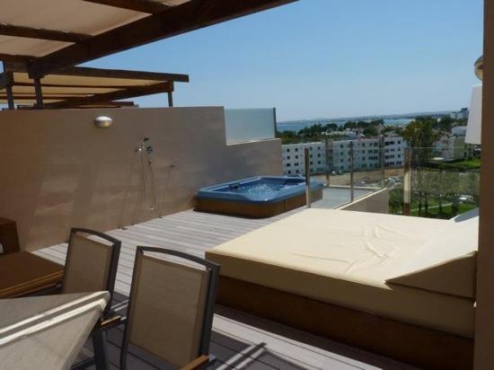 Zafiro Tropic: royal terrace suite