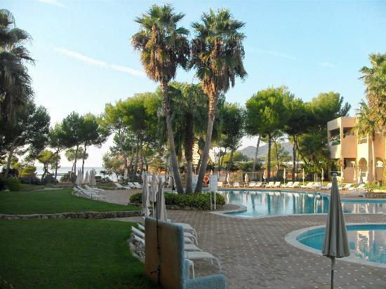 Grupotel Santa Eularia Hotel: Pool area