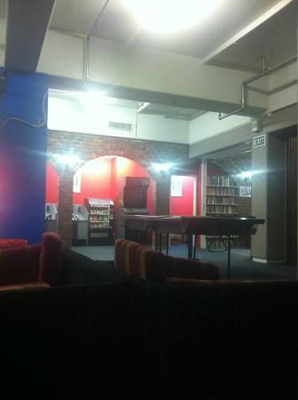 Hotel St George: lounge/tv area