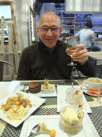 Le Bistrot de Quentin: Eric eating every dessert on the menu! (6)