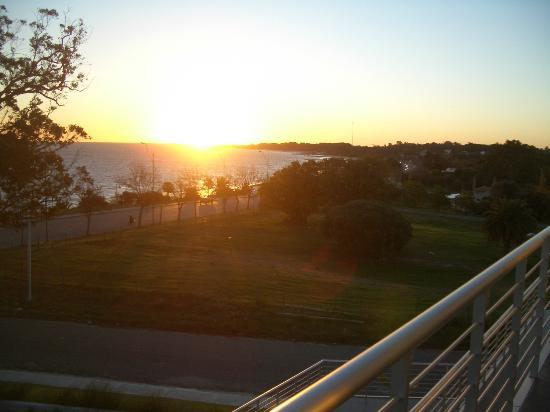 Costa Colonia Riverside Boutique Hotel: puesta de sol