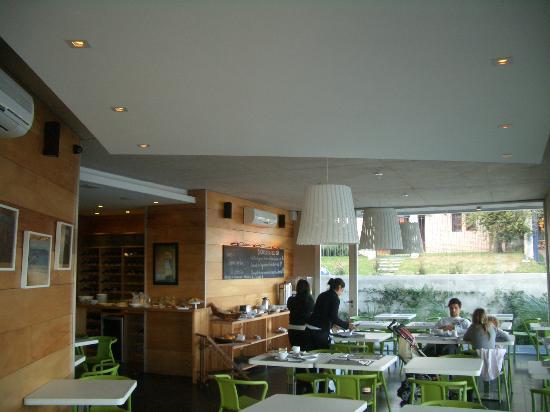 Costa Colonia Riverside Boutique Hotel: salón comedor, desayuno