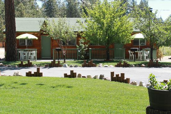 Quail Cove Lakeside Lodge: Cabins # 3 & 4