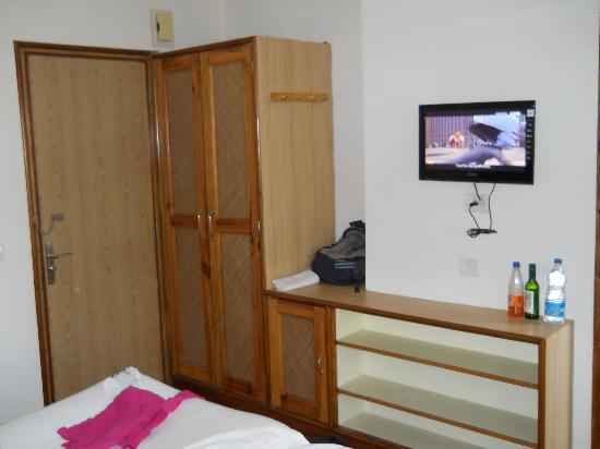 The Eee Cee Hotel: tv & closet..