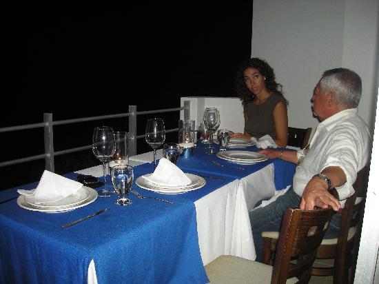 Hotel B Cozumel: Tambien cena en nuestra habitacion