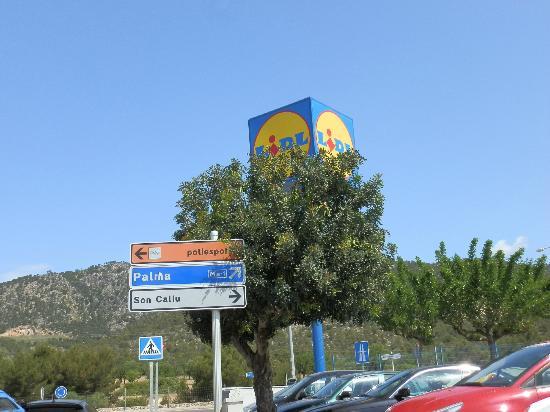 Globales Palmanova: Lidl not far from hotel