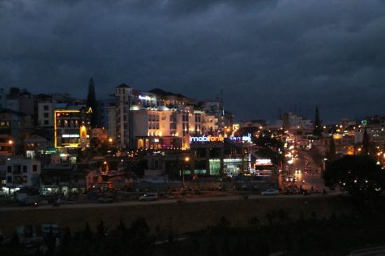 BEST WESTERN Dalat Plaza Hotel: Blick auf Dalat