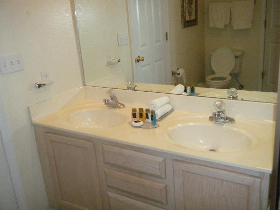 Suites at Fall Creek: Double sinks & shampoo, soap, etc.