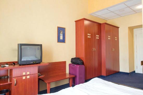 Leo Panzio Hotel: room 15
