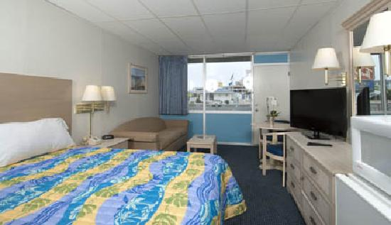 Thunderbird Beach Motel King Room